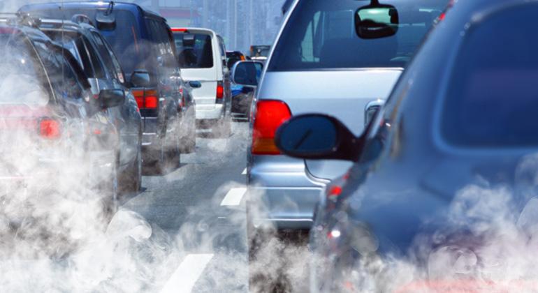 Zu viele Emissionen im Verkehr