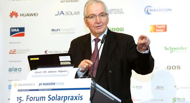 """15. Forum Solarpraxis:  """"Technologischer Wandel läutet elektrisches Zeitalter ein"""""""