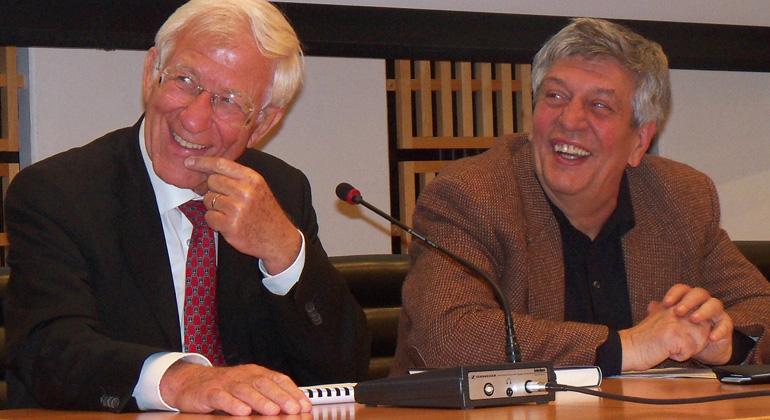 FFranz Alt und Hermann Scheer bei einer Veranstaltung 2010.
