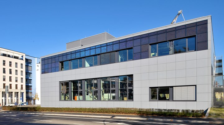 Innovative Photovoltaics – from the Lab to the Façade