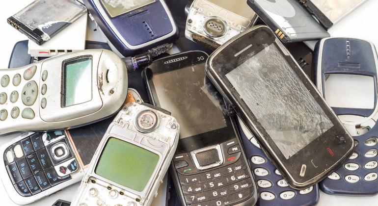 Discounter müssen künftig alte Handys, Taschenlampen und Rasierer zurücknehmen