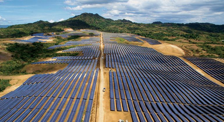 SMA   Andreas Höfer - Mathias Zenker   Philippinen: Eine der weltgrößten Solaranlagen mit String-Wechselrichtern am Netz