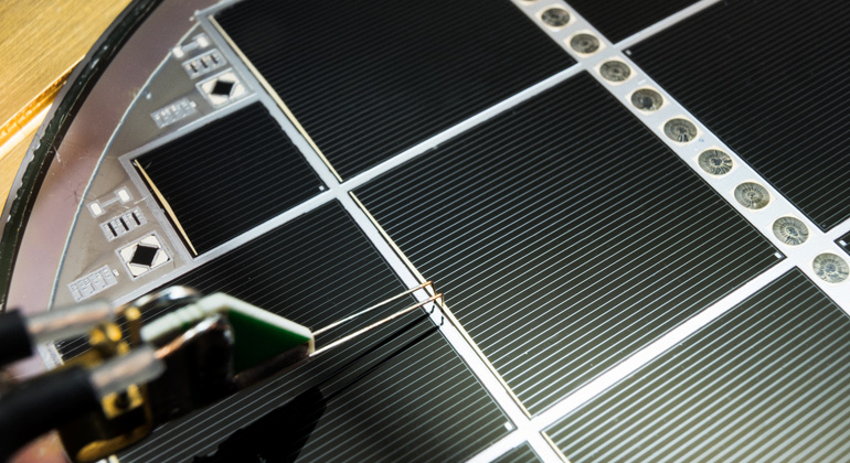 30.2 Percent Efficiency – New Record for Silicon-based Multi-junction Solar Cell