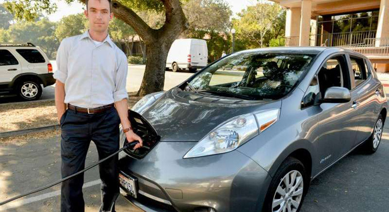 Battery electric cars are a better choice for reducing emissions than fuel cell vehicles, study finds