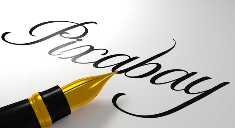 pixabay.com   ColiN00B   Kalligrafie und andere Formen des Schönschreibens sind aus der Mode gekommen. Ob sich das ändert, wenn feines weißes Papier als weniger klimaschädlich gilt?