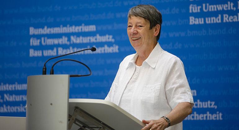 BMUB   Thomas Trutschel   Bei Bundesumweltministerin Barbara Hendricks hat Energieeffizienz die oberste Priorität für eine naturverträgliche Energiewende.