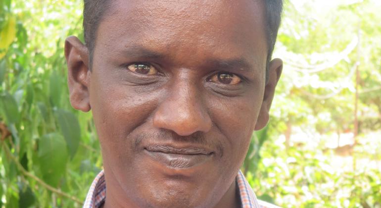 andheri-hilfe.de   Santhanakrishnan ist einer von rund 1.300 psychisch kranken bzw. geistig behinderten Menschen, die in Südindien durch den Chellamuthu Trust und ANDHERI HILFE Behandlung und Rehabilitation erfahren.