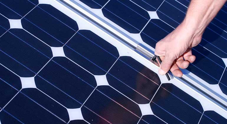 Depositphotos | ginkgo | Zwischen zwei und fünf Jahre Haft erhielten die Mitglieder einer Diebesbande, die sich auf Solarmodule spezialisiert hat.