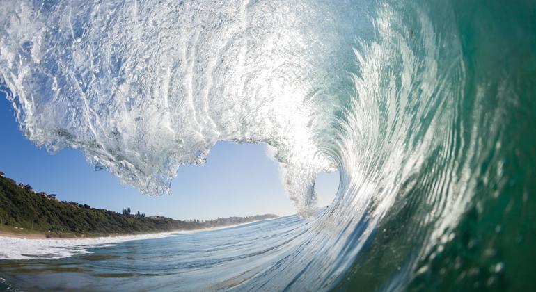 bigstock | ChrisVanLennepPhoto | Auch wenn die Menschen schnell lernten, den Ozean zu nutzen, blieb er doch immer unbeherrschbar. In vielen Kulturen galt er daher als Sitz der Götter.