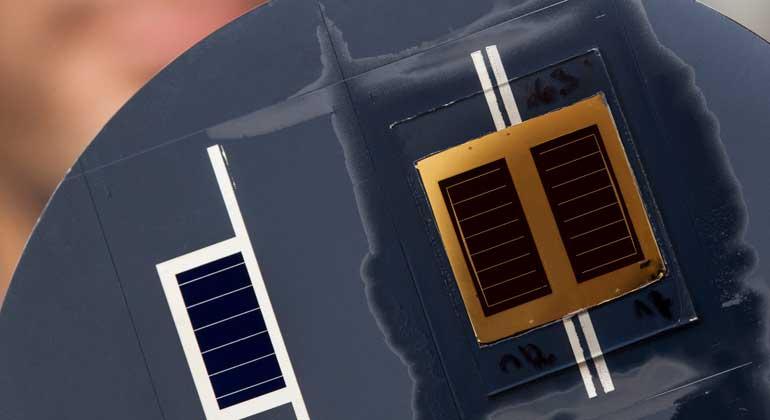 csem.ch | GaAs/SHJ tandem cells with efficiency up to 32.8% under 1-sun standard illumination.