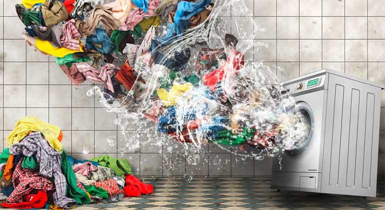 greenpeace.at | Gefahr aus dem Kleiderschrank - Mit jedem Waschgang gelangen Mikrofasern in die Umwelt.
