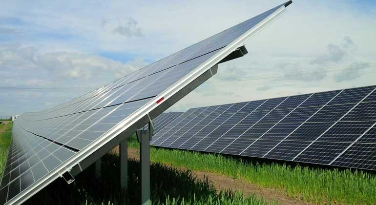 IBC Solar AG | IBC Solar vermeldete kürzlich die Inbetriebnahme einer 750-Kilowatt-Anlage und plant für das Frühjahr 2018 den Anschluss einer weiteren Anlage dieser Größenordnung.