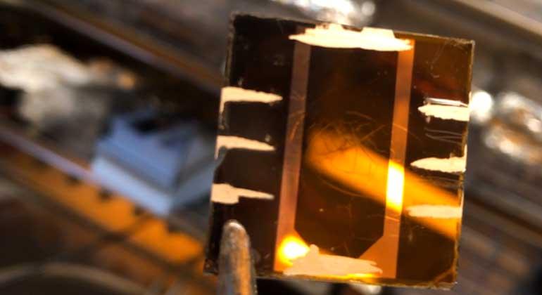 Universität Potsdam | Christian Wolff | An der Universität Potsdam im Rahmen von HyPerCells entwickelte hocheffiziente Perowskit-Solarzelle.