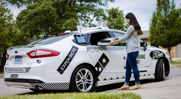 obs | Ford-Werke GmbH | Ford und Domino's erproben erstmals die Pizza-Auslieferung in autonom fahrenden Autos