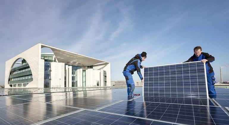 Paul Langrock | Die Photovoltaikanlage auf dem Kanzleramt wurde grundlegend erneuert und erweitert.