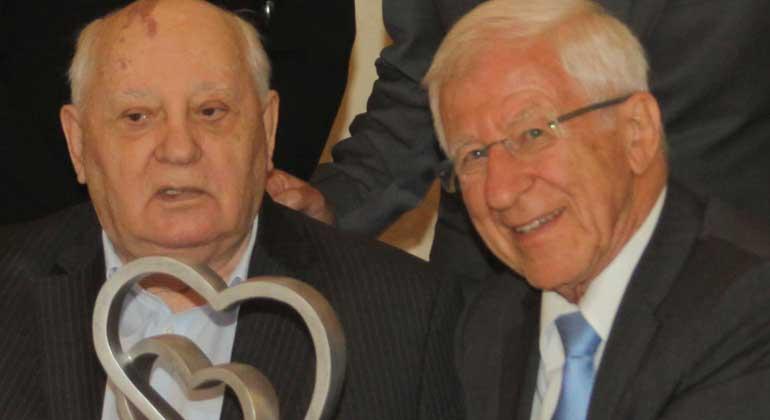 Michail Gorbatschow und Franz Alt gemeinsam geehrt