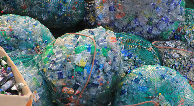 pixabay.com | mauriceangres | Plastikmüll ist inzwischen überall. Rund 13 Millionen Tonnen davon gelangen jedes Jahr in die Weltmeere – und am Ende auf unseren Teller.