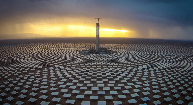 SENER | Solarthermisches Turmkraftwerk NOOR OUARZAZATE III in Marokko. Entwickler und Betreiber des Kraftwerks ist das marokanische Energieunternehmen MASEN
