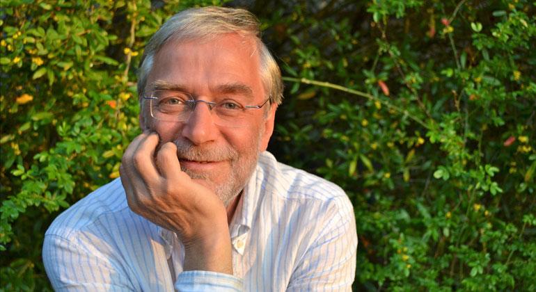 gerald-huether.de | Prof. Dr. Gerald Hüther gehört zu den bekanntesten Hirnforschern Deutschlands. Sein Ziel ist es, Lebensbedingungen zu schaffen, die es ermöglichen, menschliche Potenziale zur Entfaltung zu bringen: nicht nur in Erziehung und Bildung, sondern auch auf der Ebene der politischen und wirtschaftlichen Entscheidungen.