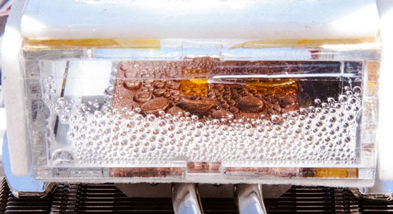Wang et al., mit.edu | Ein paar Tropfen Wasser: aus Wüstenluft gezogen