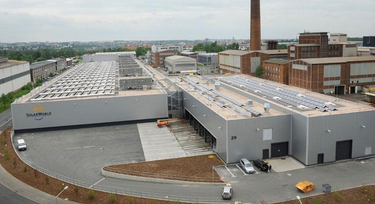 Solarworld | Auch die Mitarbeiter in der Fertigung in Freiberg müssen schon zum zweiten Mal um ihre Jobs bangen.