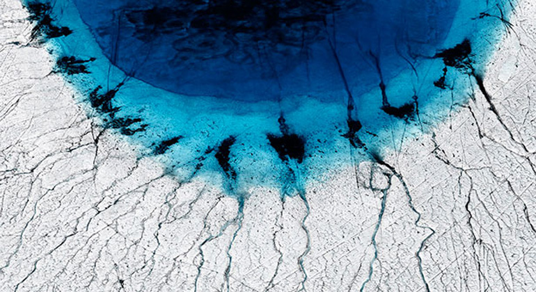 University of Cambridge | Timo Lieber | Melting of Greenland ice sheet forms lakes that drain in summer