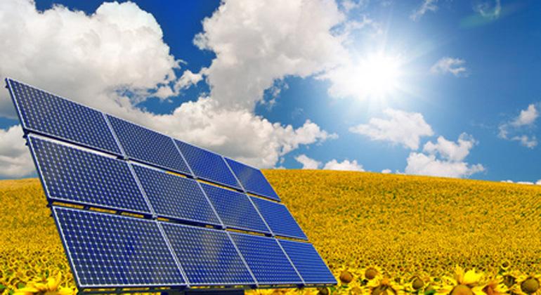 Fotolia.com | danielschoenen | Neue Daten zeigen: Photovoltaik-Ausbau geht in allen Bundesländern voran