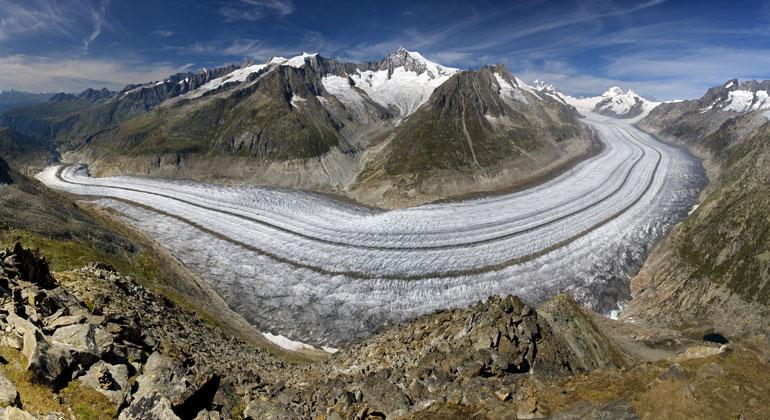 bigstock | Aletsch-TTstudio | Der Grosse Aletschgletscher ist der flächenmässig grösste und längste Gletscher der Alpen. Er befindet sich in Berner Alpen im Kanton Wallis.