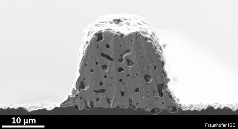 Solarstromforschung.de/Fraunhofer ISE | Verbesserte Kontaktierungsverfahren auf Vorder- und Rückseite der Zellen bringen Leistungsplus