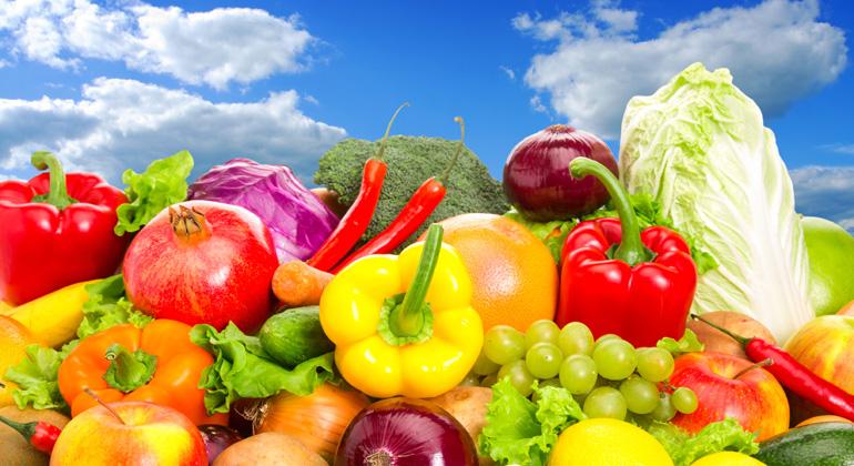 bigstock   NomadSoul   Weltweit wird Wasser übernutzt – etwa für den großflächigen Anbau von Obst und Gemüse in trockenen Regionen. Doch die Wasservorräte schwinden, das Risiko wächst: Hitzesommer wie in diesem Jahr führen zu massiven Ernteeinbußen in der Landwirtschaft. Trotzdem ist das Wasserrisiko für den deutschen Lebensmitteleinzelhandel offenbar noch kein Thema. Das zeigt eine Umfrage des WWF unter 17 Unternehmen.