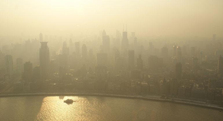 unsplash.com | AlexGindin | Smog: Saubere Luft ist für Strom wichtig