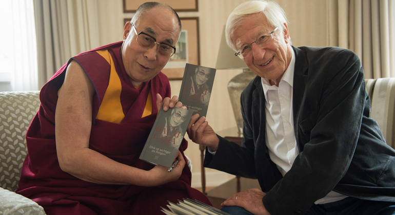 Manuel Bauer | Der Dalai Lama mit Franz Alt