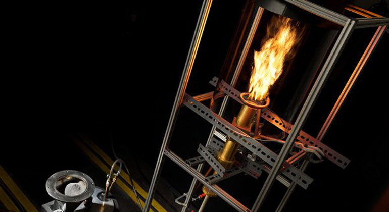 Bart van Overbeeke | tue.nl | Team SOLIDs system, burning iron powder