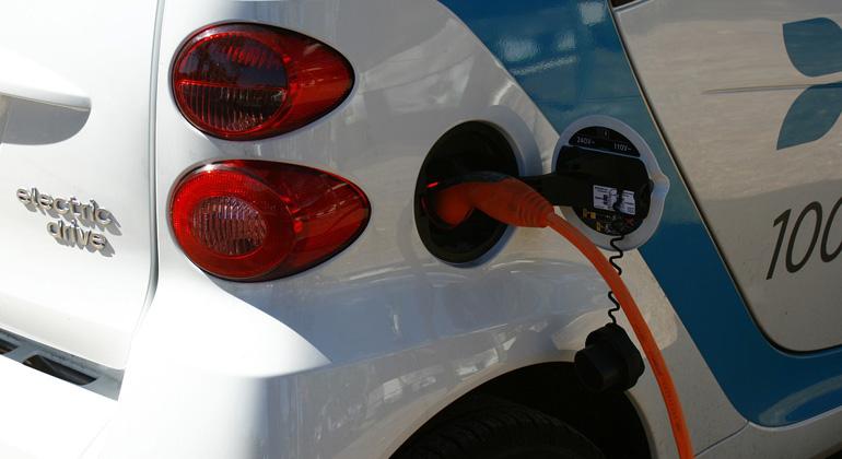 400 neue Elektro-Tankstellen
