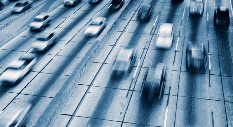 bigstock | EpicStockMedia | In Europa und auch in Deutschland ist der Verkehr der einzige Bereich, in dem der CO2-Ausstoß seit 1990 nicht gesunken, sondern sogar noch gestiegen ist.