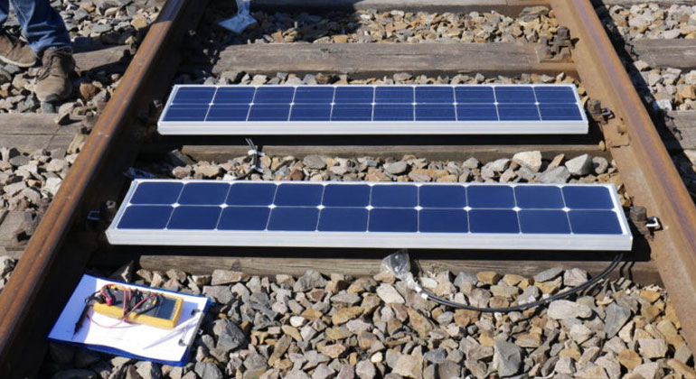 Bankset Energy Corporation | Bankset Energy began construction work on the installation of 200 MW worth of panels on 1,000 km of rail track in Germany, in June 2018.
