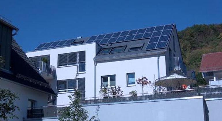 e3dc.com | Mehrfamilienhaus nutzt E3/DC-Hauskraftwerk als Energiezentrale