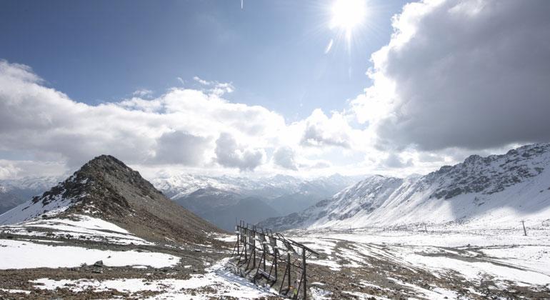 ekz.ch | Samuel Trümpy | In den Bergen lässt sich auch in den kürzeren Wintertagen mit Photovoltaik viel Strom produzieren.