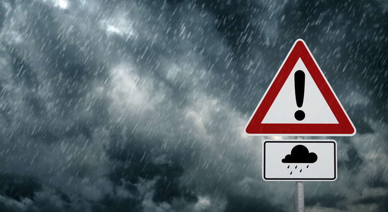 Fotolia.com | trendobjects | Mehr Starkregen durch Klimawandel kann hohe Kosten bei Überschwemmungen bedeuten.