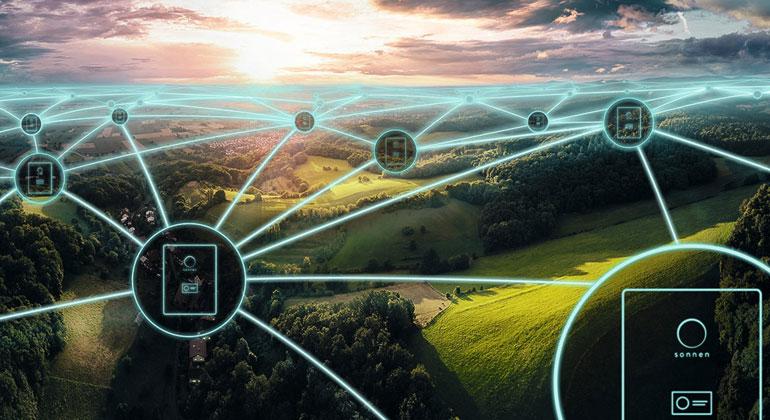 """sonnen.de   """"Dass vernetzte Batteriespeicher als virtuelles Kraftwerk jetzt das Netz bei Frequenzschwankungen stabilisieren können, ist ein weiterer Schritt auf dem Weg zur stärkeren Systemintegration der erneuerbaren Energien"""", sagte Lex Hartman, Geschäftsführer von TenneT."""
