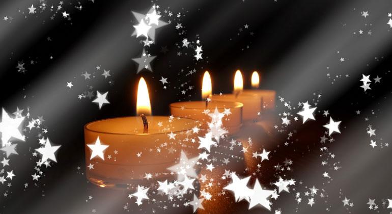 pixabay.com | geralt | Beim Abbrennen von Kerzen wird Sauerstoff verbraucht, was zur Verschlechterung der Raumluftqualität beiträgt. Wie bei jeder unvollständigen Verbrennung entstehen dabei verschiedene Schadstoffe. Die Feinstaubpartikel steigen mit der heißen Luft in die Höhe und können eingeatmet werden. Allerdings ist die Schadstoffbelastung aus Kerzenwachsen eher gering. Entscheidend ist der richtigen Umgang mit den Kerzen, egal ob aus Paraffin-, Stearin- oder Bienenwachs.
