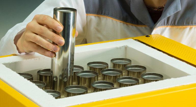Fraunhofer IKTS | Die Kosten auf Zellebene liegen für die keramische Hochtemperaturbatterie bei unter 100 Euro pro Kilowattstunde.