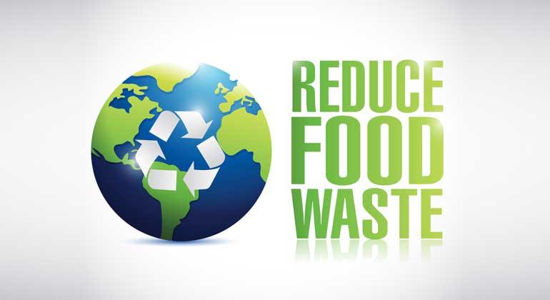 Depositphotos | alexmillos | Laut FAO hat die Lebensmittelverschwendung weltweit einen Anteil von etwa acht Prozent der gesamten vom Menschen verursachten Treibhausgasemissionen. Für jedes produzierte Kilo Lebensmittel werden 4,5 Kilogramm CO2 in die Atmosphäre abgegeben.