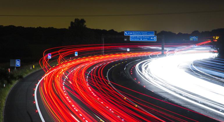 pixabay.com | jonbonsilver | Freiheit? Welche Freiheit? Die Perspektive des Autofahrers ist naturgemäß eingeschränkt.