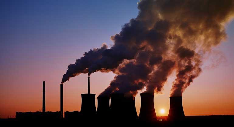 Depositphotos | kamilpetran | Beim Klimaschutz muss die Bundesregierung dringend handeln: Die Expertenkommission Forschung und Innovation empfiehlt die Einführung eine CO2-Bepreisung.
