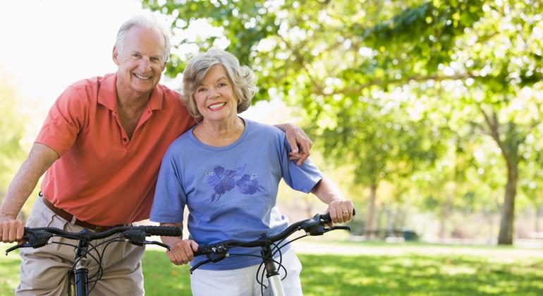Depositphotos | monkeybusi | Mit elektrischem Rückenwind können Fahrradfreunde ihre Route freier wählen, ältere Menschen länger mobil bleiben und Pendler oft stressfreier zur Arbeit kommen