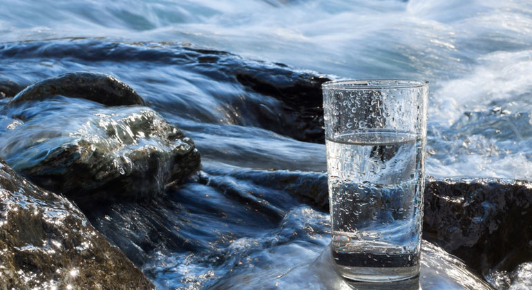 Fotolia.com | arttim | Wasser ist eine begrenzte und zunehmend knappe Ressource.