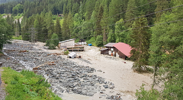iDEALP | wsl.ch | Following severe thunderstorms on 2 July 2018, water levels in the River Navisence increased considerably, damaging the river banks at various locations in the municipalities of Anniviers and Chippis (canton of Valais). Substantial volumes of sediment were deposited in the immediate vicinity of the banks.