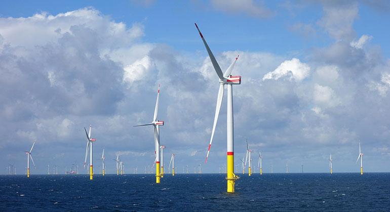 E. Dahmer/Wikimedia Commons | Der noch im Bau befindliche Offshore-Windpark Arkona im September 2018.