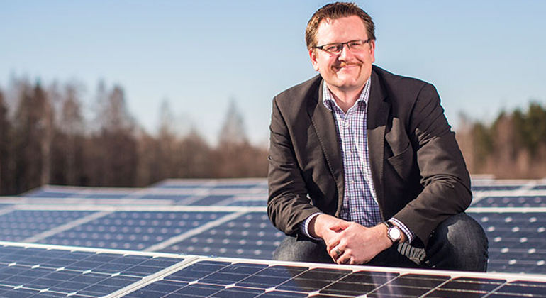 LUT | lut.fi | uutiskuva vaaka | Christian Breyer, Professor of Solar Economy